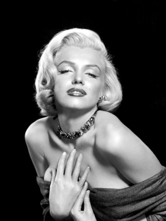 Sexy Marilyn Monroe. Marilyn Monroe was the master of using female ...